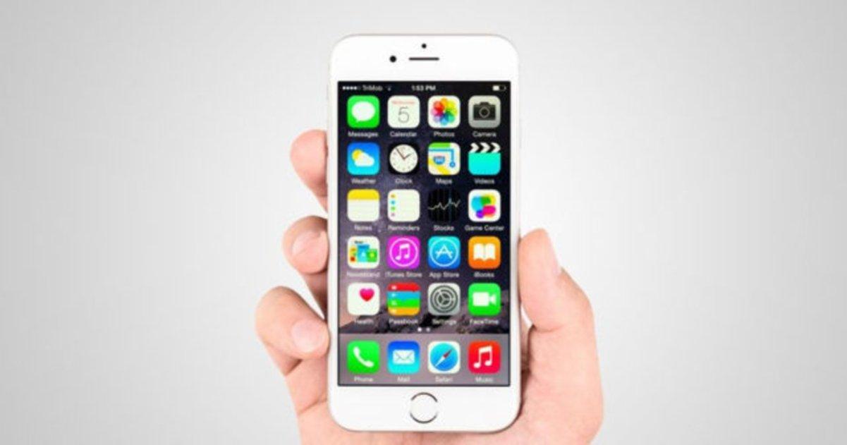 iPhone 6 blanco en mano