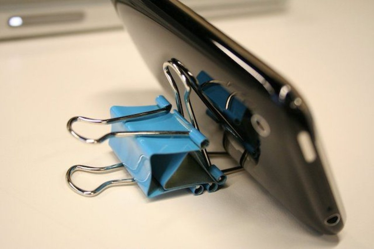 if-you-need-to-stand-up-your-iphone-you-dont-need-to-spend-20-or-more-on-a-dock-turns-out-a-basic-binder-clip-or-two-makes-a-great-stand