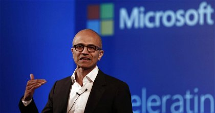 Qué pasaría si el CEO de Microsoft fuera el CEO de Apple: así nos imaginamos esta Apple distópica