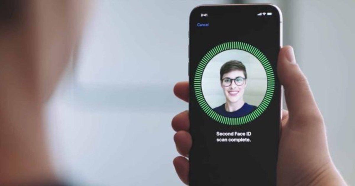 iOS 12 Face ID dos caras