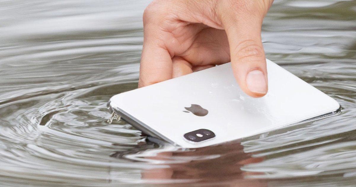 iPhone bajo el agua