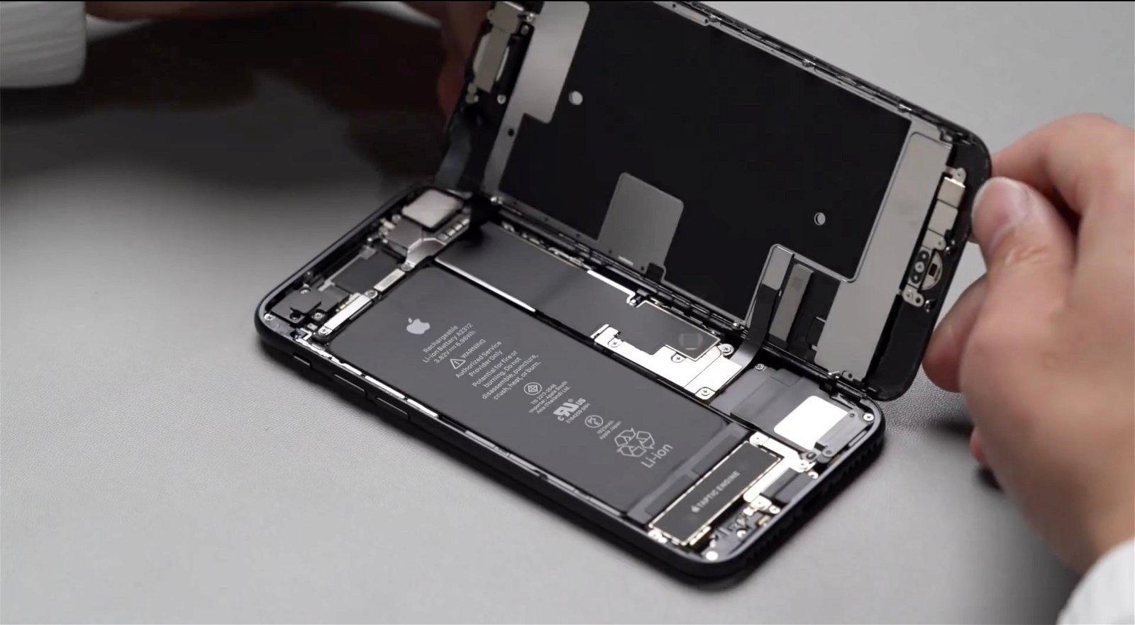 Portada iPhone SE desmontado