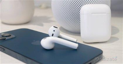 ¿Cómo se puede responder una llamada desde los Apple AirPods?